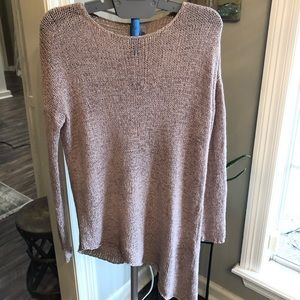 Divided brand sweater with assymetrical bottom